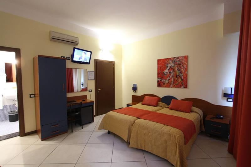 Richiesta Di Disponibilità   Hotel Demo\' Milano   Booking Online